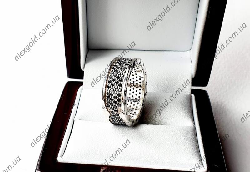 Женское широкое кольцо Булгари  с черными камнями
