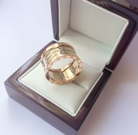Широкое кольцо  Булгари комбинированное золото