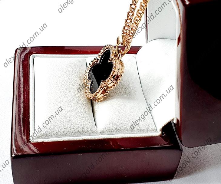 Золотая подвеска Van Cleef с черной вставкой оникс