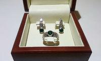 Женский комплект серьги и кольцо с камнями