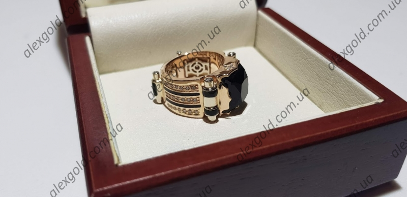 Перстень мужской Черный принц золото 28 г
